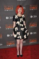 14525_HayleyWilliams_2010PeoplesChoiceAwards_6thJan_029_122_362lo.jpg