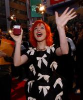 14684_HayleyWilliams_2010PeoplesChoiceAwards_6thJan_044_122_433lo.jpg