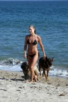 NOBFUE9BZZ_Ali_Larter_candid_bikini_pictures_24_.jpg