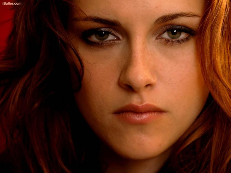 51940_kristen_stewart_beautiful_eyes_122_158lo.jpg