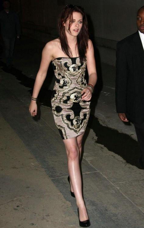 55101_82775-kristen-after-show-jimmy-01-122-_122_496lo.jpg