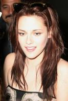 55094_83230-kristen-after-show-jimmy-06-122-_122_350lo.jpg