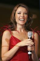26247_Dannii_Minogue_Launches_Celebrity_Exposing_Robin_Sellick_06_122_512lo.jpg