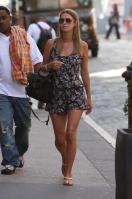 41783_NickyHilton_Shoppingcandids_Soho_020611_026_122_584lo.jpg