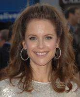 62309_Kelly_Preston_-_Hairspray_premiere_LA_071007_224_122_742lo.jpg