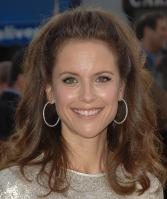 62435_Kelly_Preston_-_Hairspray_premiere_LA_071007_719_122_1070lo.jpg