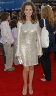 62580_Kelly_Preston_-_Hairspray_premiere_LA_071007_557_122_93lo.jpg