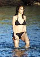 65736_kelly-preston-bikini-03_122_478lo.jpg