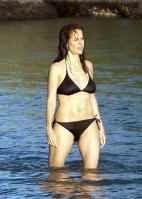 65762_kelly-preston-bikini-10_122_769lo.jpg