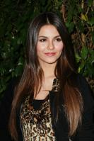31991_VictoriaJustice_QVCRedCarpetStyleParty_Feb25th2011_009_122_41lo.jpg