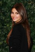 32108_VictoriaJustice_QVCRedCarpetStyleParty_Feb25th2011_007_122_164lo.jpg