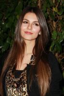 32336_VictoriaJustice_QVCRedCarpetStyleParty_Feb25th2011_010_122_163lo.jpg