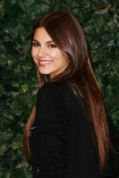 32491_VictoriaJustice_QVCRedCarpetStyleParty_Feb25th2011_006_122_23lo.jpg