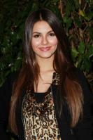 32577_VictoriaJustice_QVCRedCarpetStyleParty_Feb25th2011_008_122_376lo.jpg
