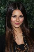 32684_VictoriaJustice_QVCRedCarpetStyleParty_Feb25th2011_013_122_379lo.jpg