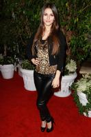 42305_VictoriaJustice_QVCRedCarpetStylePartyLA_Feb25th2011_009_122_776lo.jpg