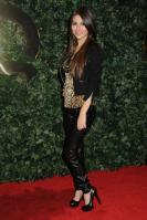 42347_VictoriaJustice_QVCRedCarpetStylePartyLA_Feb25th2011_005_122_79lo.jpg