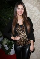 42465_VictoriaJustice_QVCRedCarpetStylePartyLA_Feb25th2011_011_122_240lo.jpg