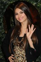 42496_VictoriaJustice_QVCRedCarpetStylePartyLA_Feb25th2011_015_122_443lo.jpg