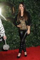 42522_VictoriaJustice_QVCRedCarpetStylePartyLA_Feb25th2011_001_122_228lo.jpg