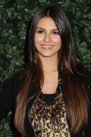 42530_VictoriaJustice_QVCRedCarpetStylePartyLA_Feb25th2011_017_122_166lo.jpg