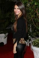 42629_VictoriaJustice_QVCRedCarpetStylePartyLA_Feb25th2011_013_122_527lo.jpg