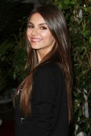 42771_VictoriaJustice_QVCRedCarpetStylePartyLA_Feb25th2011_014_122_1123lo.jpg
