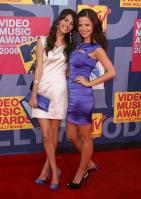 77898_Victoria_Justice_-_2008_MTV_Video_Music_Awards_-_7th_Sept_020_122_347lo.jpg