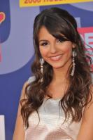 78101_Victoria_Justice_-_2008_MTV_Video_Music_Awards_-_7th_Sept_027_122_17lo.jpg