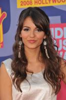 78181_Victoria_Justice_-_2008_MTV_Video_Music_Awards_-_7th_Sept_028_122_922lo.jpg