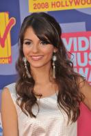 78360_Victoria_Justice_-_2008_MTV_Video_Music_Awards_-_7th_Sept_024_122_1091lo.jpg