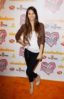ABAA1E2DV5_Victoria_Justice_-_premiere_of_Nickelodeons_School_Gyrls_-_February_15_7_.jpg