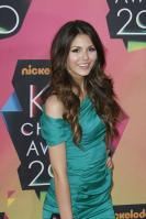 DSZTHR0OCH_Victoria_Justice_-_23rd_Annual_Kids_Choice_Awards013.jpg