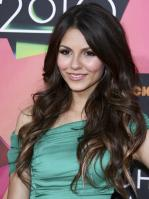 HU766GG13I_Victoria_Justice_-_23rd_Annual_Kids_Choice_Awards006.jpg