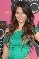 I15TQ9QBG0_Victoria_Justice_-_23rd_Annual_Kids_Choice_Awards008.jpg