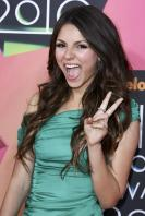 JJCVYKCNN0_Victoria_Justice_-_23rd_Annual_Kids_Choice_Awards005.jpg