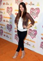 K0XFL3SUNO_Victoria_Justice_-_premiere_of_Nickelodeons_School_Gyrls_-_February_15_9_.jpg