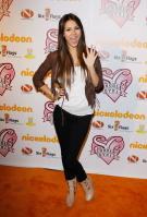 TMQE4EPGH6_Victoria_Justice_-_premiere_of_Nickelodeons_School_Gyrls_-_February_15_6_.jpg