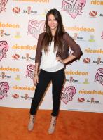 VO20UG1Y1D_Victoria_Justice_-_premiere_of_Nickelodeons_School_Gyrls_-_February_15_12_.jpg
