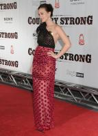 34885_s_lm_country_strong_premiere_in_nashville_20101108_26_122_580lo.jpg