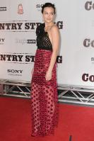 34915_s_lm_country_strong_premiere_in_nashville_20101108_29_122_526lo.jpg