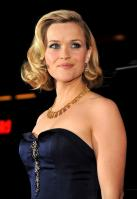 3005UDUQFZ_Reese_Witherspoon_40_Four_Christmases_Los_Angeles_Premiere_-_November_20_6_.jpg