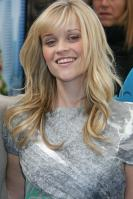 39968_gallery_enlarged-0323_reese_witherspoon_heels_02_122_52lo.jpg