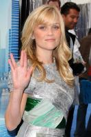 40038_gallery_enlarged-0323_reese_witherspoon_heels_11_122_447lo.jpg