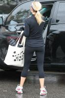 58805_reese_witherspoon_leaving_a_spin_class-001_122_22lo.jpg