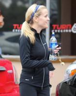 58925_reese_witherspoon_leaving_a_spin_class-009_122_438lo.jpg