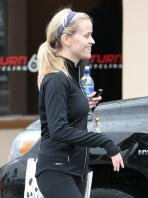 58928_reese_witherspoon_leaving_a_spin_class-010_122_820lo.jpg