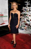 5D76THN13A_Reese_Witherspoon_40_Four_Christmases_Los_Angeles_Premiere_-_November_20_8_.jpg