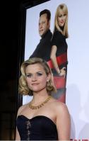B3UXNAXQ0S_Reese_Witherspoon_40_Four_Christmases_Los_Angeles_Premiere_-_November_20_19_.jpg