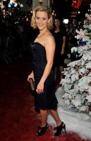 DDJZX15E3M_Reese_Witherspoon_40_Four_Christmases_Los_Angeles_Premiere_-_November_20_12_.jpg